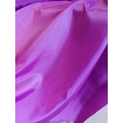 Bélés lila