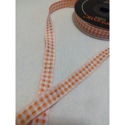 Narancssárga kockás szalag...